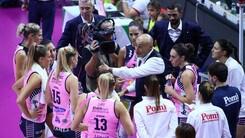 Volley: A1 Femminile, Lucchi sulla panchina della Pomì al posto di Abbondanza