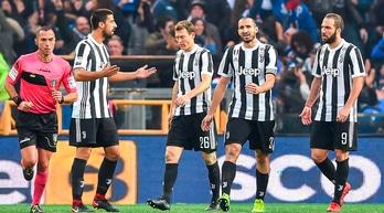 Le pagelle di Sampdoria-Juventus: Bernardeschi occasione persa, lotta solo Higuain