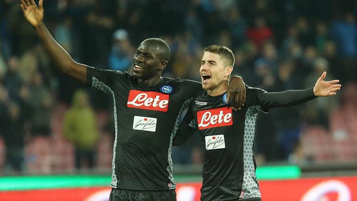 Serie A, scudetto: Napoli in testa, la Juve scivola a 2,60