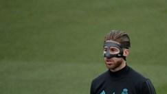 Real Madrid, testa al Malaga: Sergio Ramos con la maschera