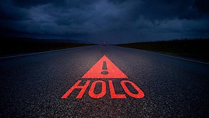 Sicurezza auto, il triangolo diventa un ologramma