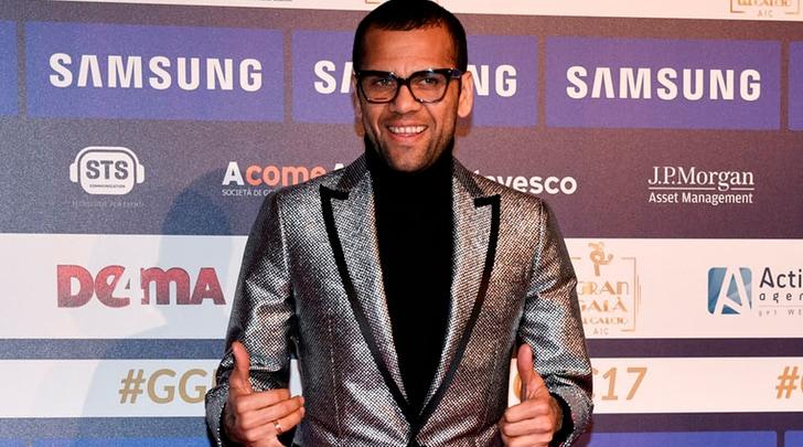 Dani Alves, altra frecciata alla Juventus: «Il calcio italiano prenda esempio dal Napoli»