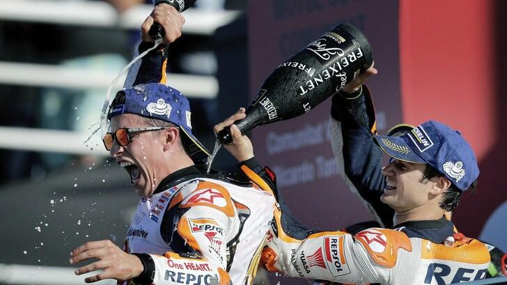 MotoGp, Marquez e Pedrosa a Motegi: festa con i tifosi