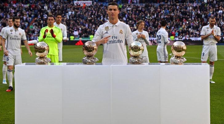 Pallone d'Oro 2017 a Cristiano Ronaldo: eguagliato Messi a quota 5