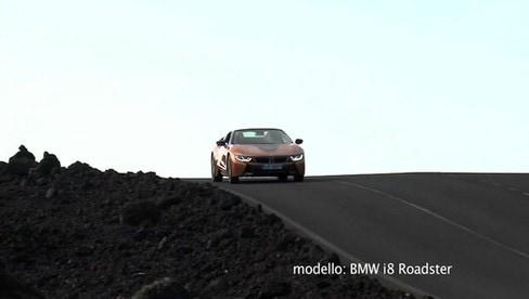 Bmw i8 Roadster: la sportiva ibrida si scopre