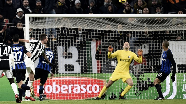 Mandzukic: traversa! La Juventus frena sul muro Inter che resta davanti