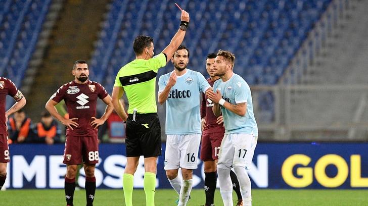 Serie A Lazio, i tifosi citano i direttori di gara per l'espulsione di Immobile contro il Torino