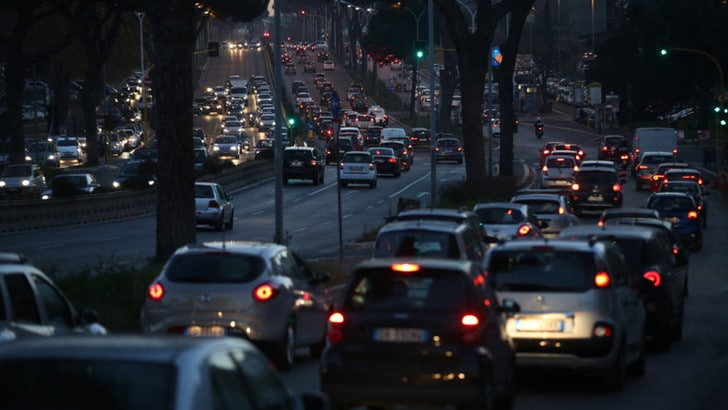 Le donne saudite potranno guidare moto e camion
