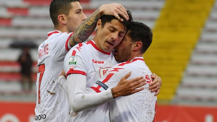 Serie B: Bari-Parma, occhi sul pareggio