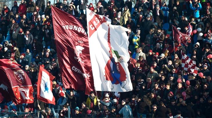 Tifosi-spettacolo a Ferraranon meritavano un Torino così