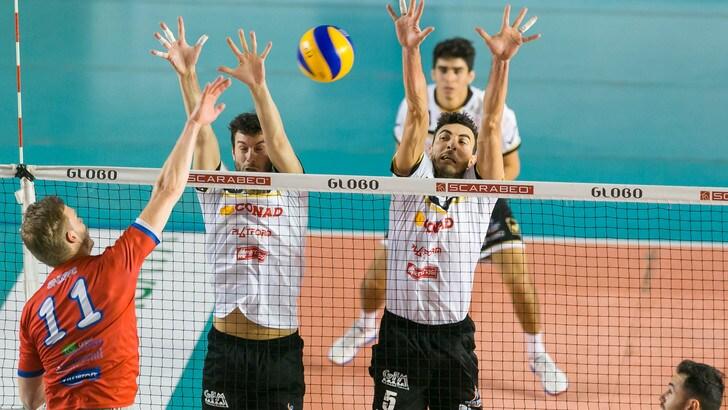 Volley: A2 Maschile, Girone Bianco: Roma prima con Santa Croce
