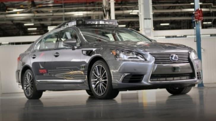 Toyota, nuovi progressi nella guida autonoma