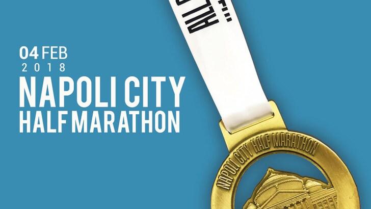 Napoli City Half Marathon presenta la medaglia, simbolo di vittoria e della città