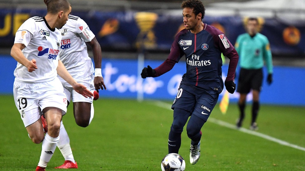 Coppa di Lega, Amiens-Psg 0-2: decidono i gol del brasiliano e Rabiot. Assenti Cavani e Pastore, puniti dal club per il rientro in ritardo