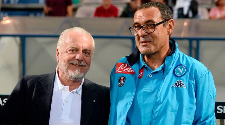 """""""Maurizio Sarri là người chỉ biết đến tiền"""""""
