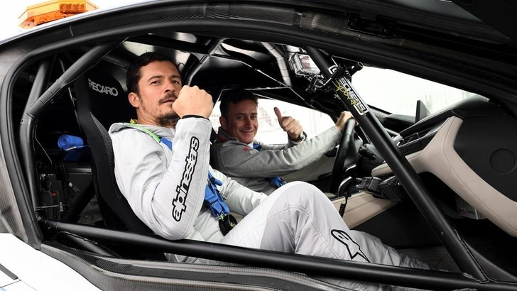 DiCaprio e Bloom, due stelle in pista con la Formula E