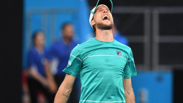 Australian Open, Seppi soffre e vince: vola agli ottavi