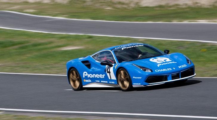 Ferrari pronta a stupire con la sportiva V8 più potente di sempre