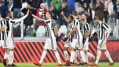 Serie A, Juventus-Genoa 1-0: decide Douglas Costa