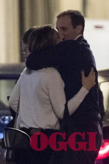 C'è sempre passione tra l'allenatore della Juventus e l'attrice: il settimanale Oggi ha ritratto i baci tra i due durante la serata romantica a Roma