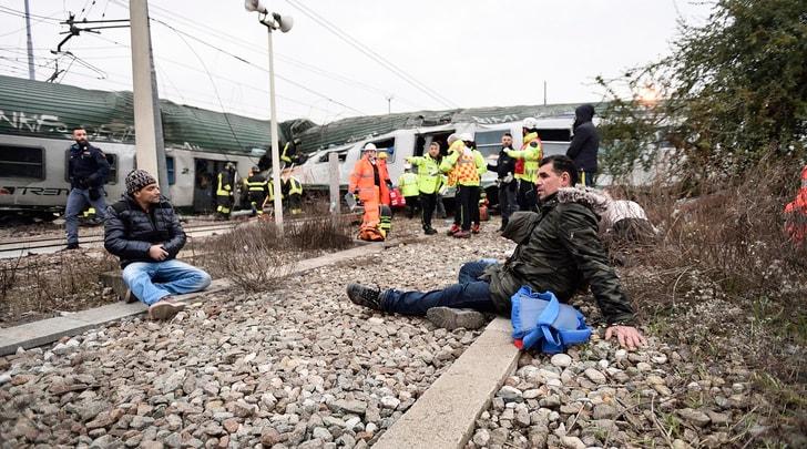 Milano, deraglia un treno: morti e feriti