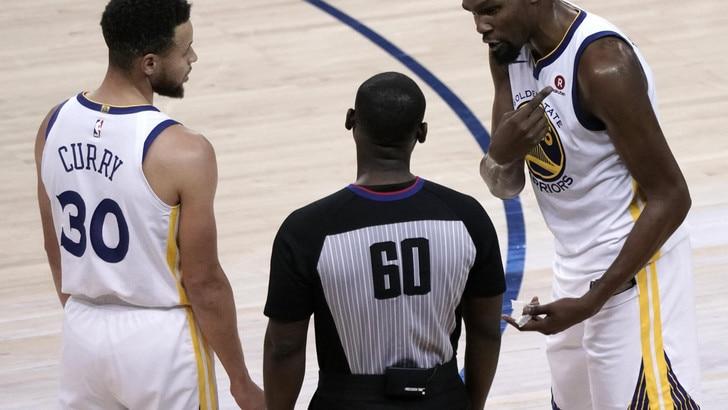 Durant gela Houston, la finale è Warriors-Cavaliers