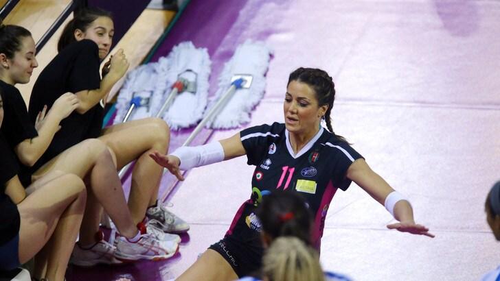 Volley: A1 Femminile, una delegazione dell'Igor Novara in visita al reparto di pediatria dell'Ospedale Maggiore