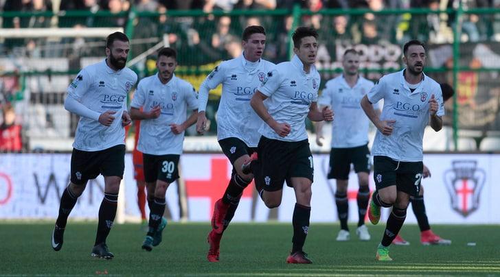Serie B: Palermo fermato dalla Pro Vercelli. L'Avellino stende il Novara