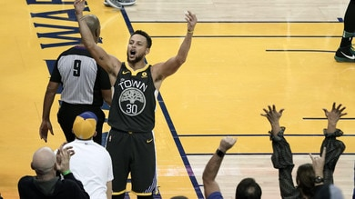 Curry stende Cleveland, Golden State sul 2-0