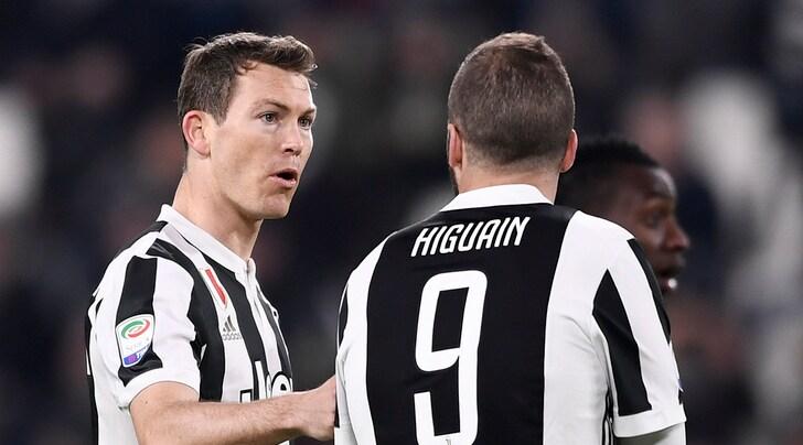 Lichtsteiner: «Juventus, dobbiamo mettere pressione al Napoli»