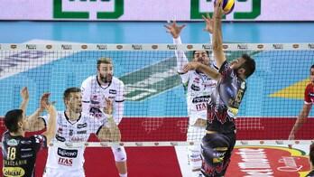 Volley: Superlega, Perugia super anche a Trento, Civitanova vince a Sora