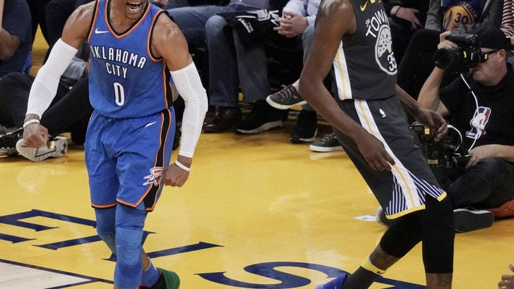 Westbrook domina i Warriors, stagione finita per Porzingis