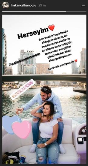 Hakan Calhanoglu e la moglie insieme in Turchia