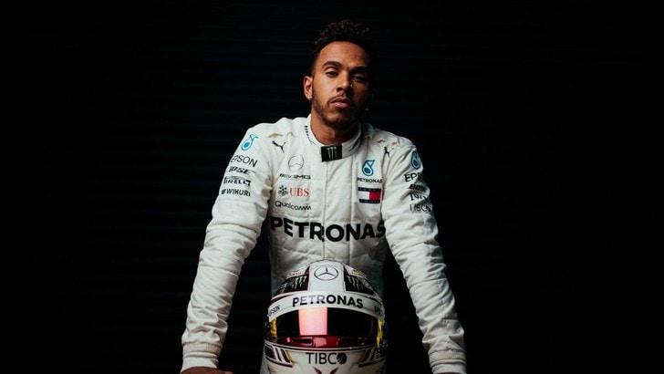 F1 Mercedes, Hamilton: «Non vedo l'ora di provare la macchina»