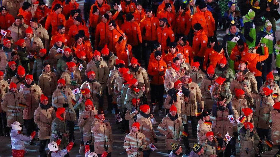 Lo spettacolo di coloriall'Olympic Stadium: cala il sipario sulla manifestazione sportiva più importante del pianeta