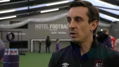 G. Neville attacca Pogba: