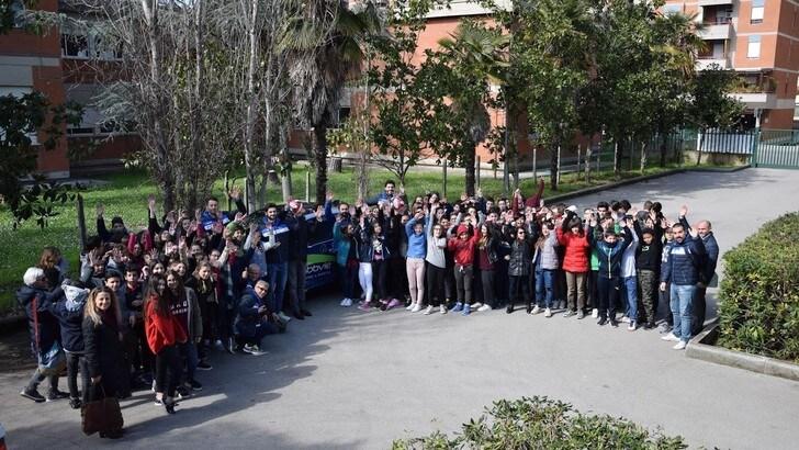 Volley: Sueprlega, i giocatori Latina a scuola per #Accendiamoilrispetto