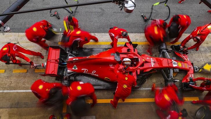 F1, a Montmelò si iniziano a scaldare i motori