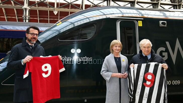 Juventus, a Londra un treno intitolato a John Charles