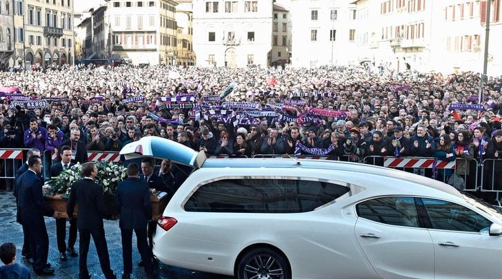 Funerali di Astori, diecimila persone presenti alla basilica di Santa Croce