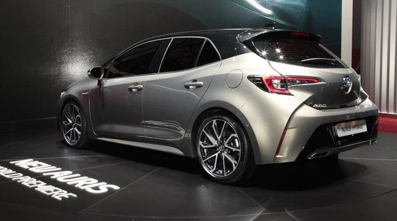 Nuova Auris Hybrid, doppio ibrido per la terza generazione