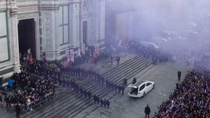 Juventus, i tifosi bianconeri e quelli viola uniti per Astori. Una nuova speranza?