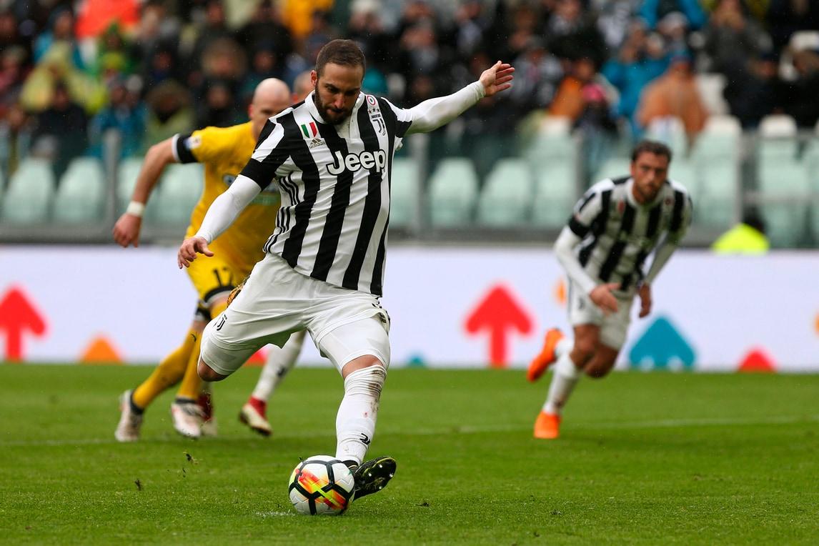 https://cdn.tuttosport.com/images/2018/03/12/184111655-e2ec7720-494a-4a94-8f71-dceb711d060f.jpg