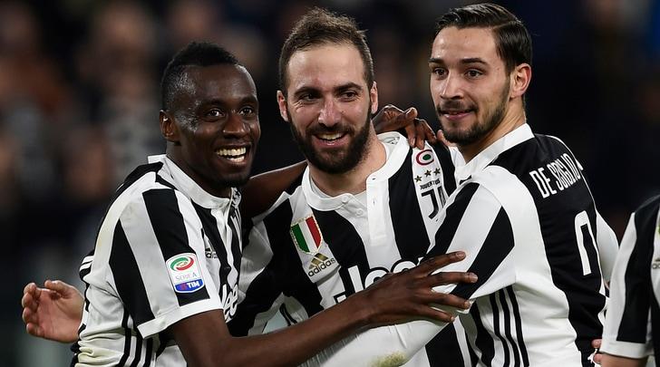 Serie A, Juventus-Atalanta 2-0: Higuain e Matuidi firmano l'allungo sul Napoli