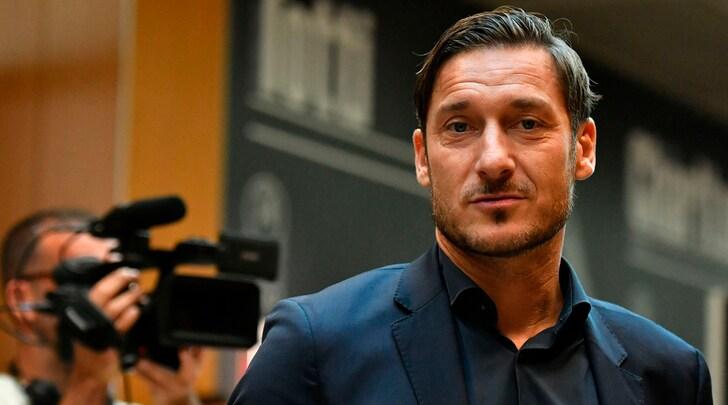 Roma, Totti: «Il Barcellona dovrà sudare per eliminarci»