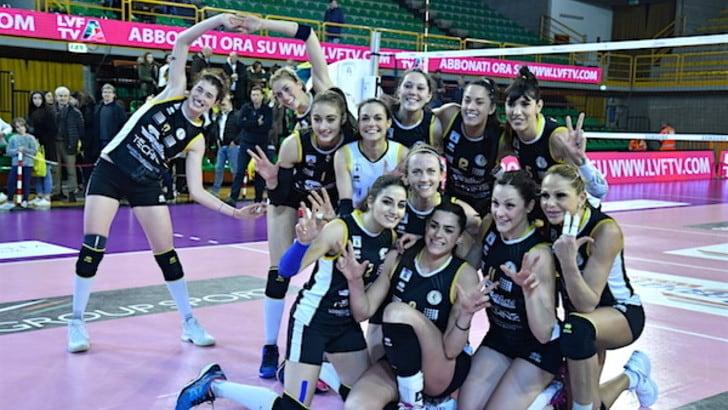 Volley: A2 Femminile, Brescia batte Perugia e si prende la vetta