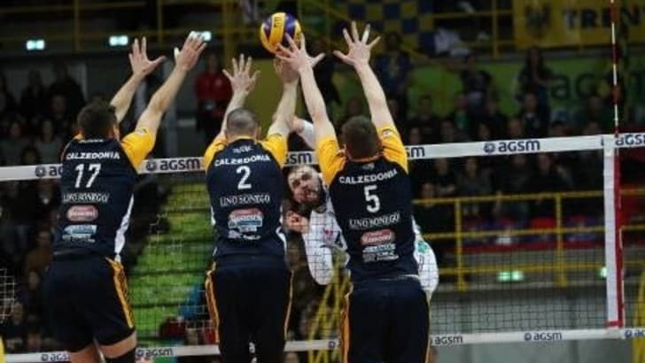 Volley: Superlega, la Calzedonia vince al tie break e conquista Gara 3