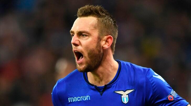 Calciomercato Lazio, Tare: «De Vrij all'Inter? Ci sono buone possibilità»