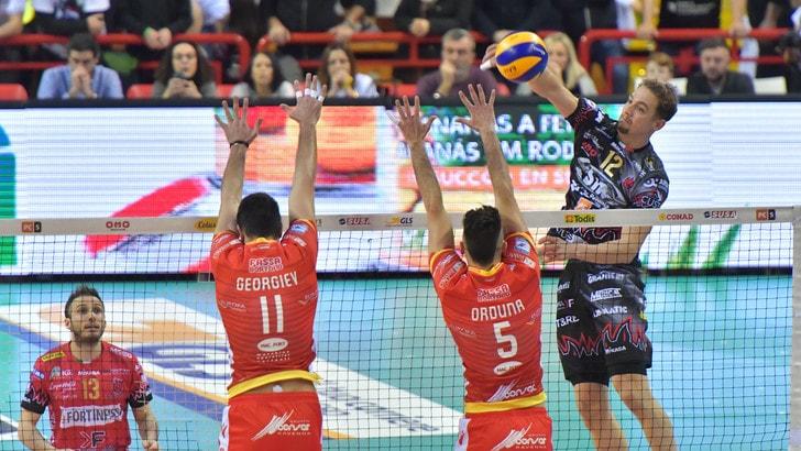 Volley: Play Off, Gara 3, Trento-Verona e Perugia-Ravenna sfide per la semifinale