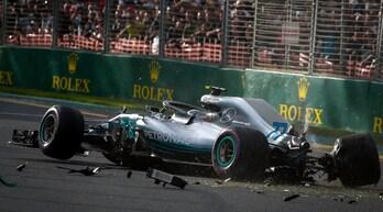 F1 Australia, paura Bottas: esce di pista e urta un muretto